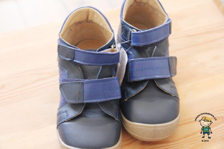 Boty Rak se hodí pro děti se širokou nohou.