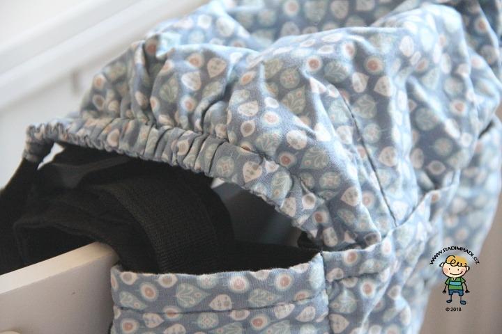Nosítko KiBi: Detail na kapucu.