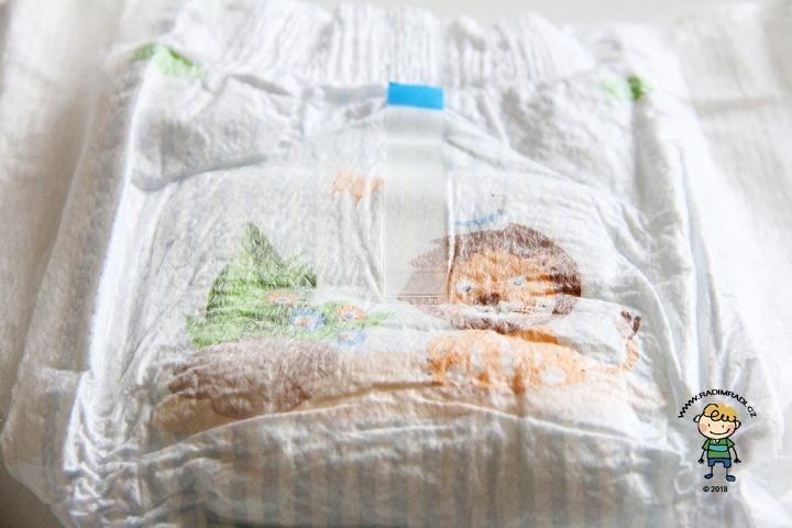 Jak plenka vypadá? Babydream pants ze zadní strany - detail na lepítko.