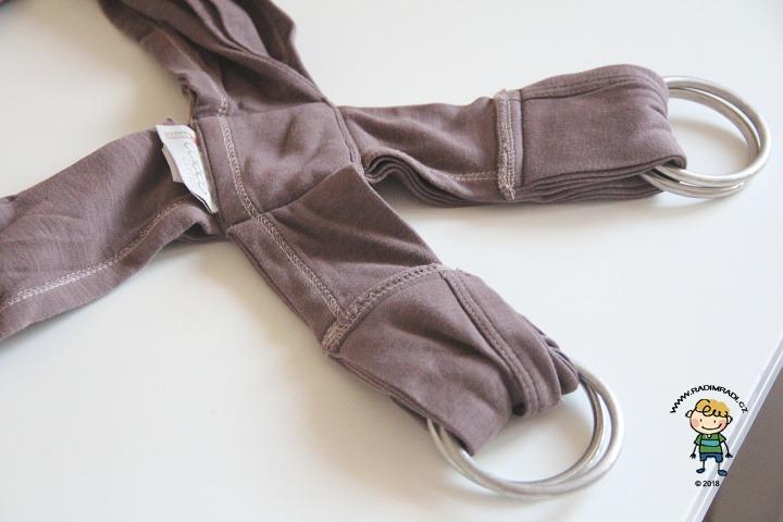 Nosítko Caboo Close: Nosítko je potřeba prát zabalené do osušky nebo deky, aby kruhy neponičily pračku.