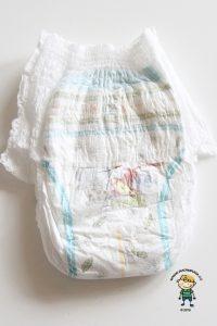 Plenkové kalhotky Huggies pants: Jak plenka vypadá ze přední strany.