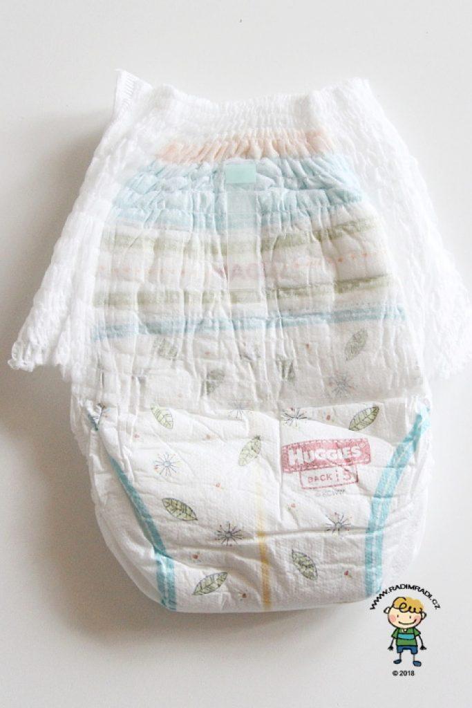 Plenkové kalhotky Huggies pants: Jak plenka vypadá ze zadní strany.