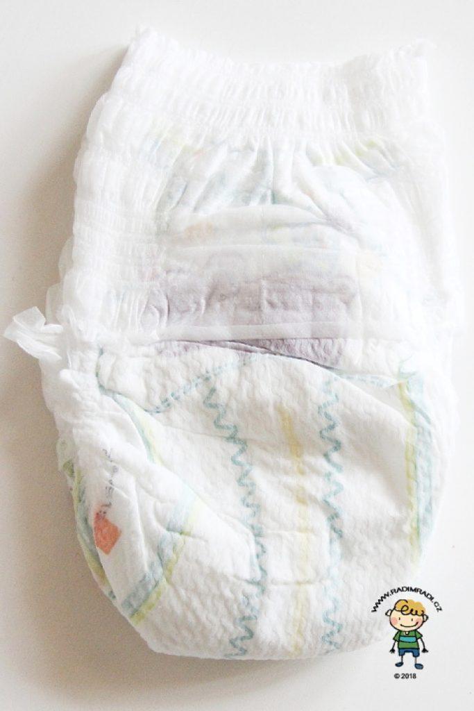 Plenkové kalhotky Pampers Premium: Plenka ze přední strany.