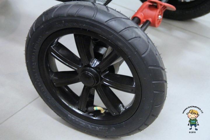 Detail na kola u kočárku Valco Snap4 Trend Sport Tailor Made