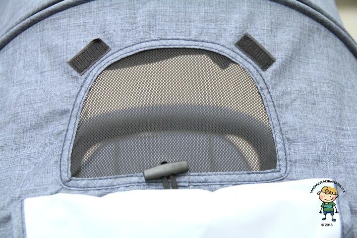 Větrací okénko (rodičovská kontrola) u kočárku Valco Snap 4. (Tailor Made).