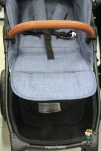 Sedačka je velmi dlouhá a vejde se do ní s přehledem tříleté dítě (Valco Snap4 Trend Sport Tailor Made).