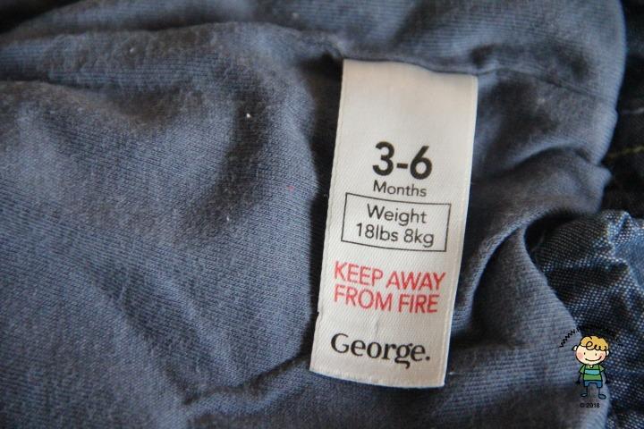 Oblečení značky George.