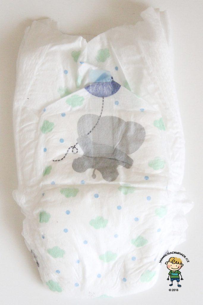 Babylove plenkové kalhotky se třemi kanálky: Jak plenka vypadá ze zadní strany.