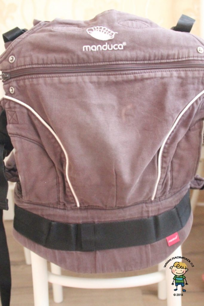 Nosítko Manduca PureCotton s nižší (zapnutou) zádovou opěrkou.